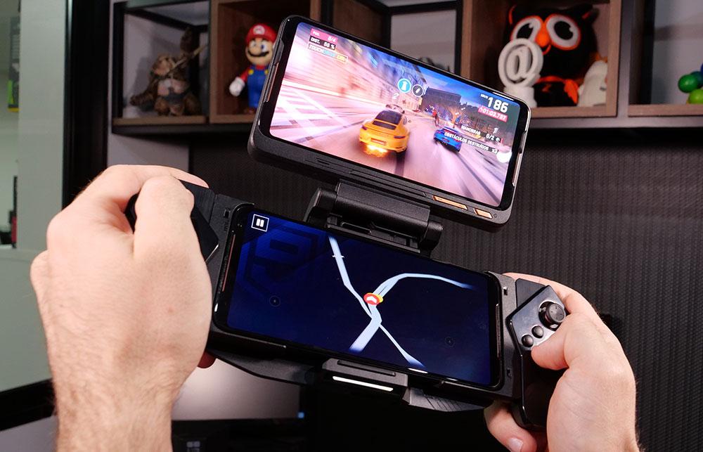 ROG Phone 2 acoplado ao Kunai Gamepad e ao TwinView